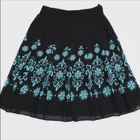 Dresses & Skirts - Beautiful Pleated Skirt Black With Turquoise